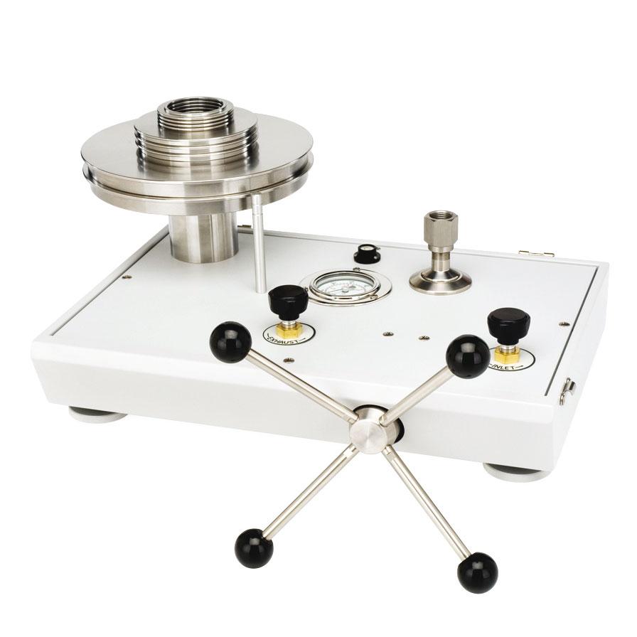 Piestový tlakomer P3000