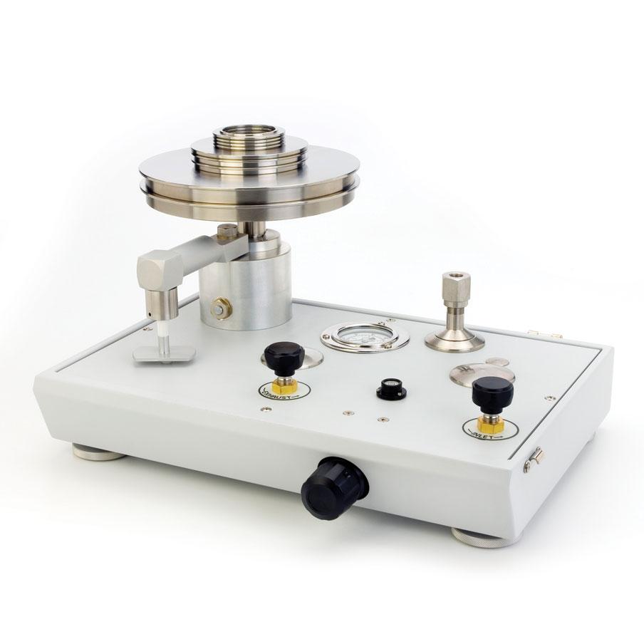 Piestový tlakomer P3000 s vákuovou mierkou